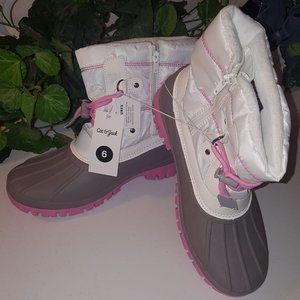 Girls Lace up Snow Boots Duck Boot Size 6 NWT